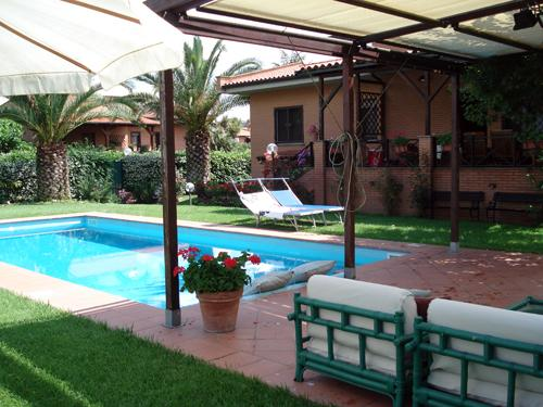 Beautiful House in a Park close to Tiber, holiday rental in Monterotondo Scalo