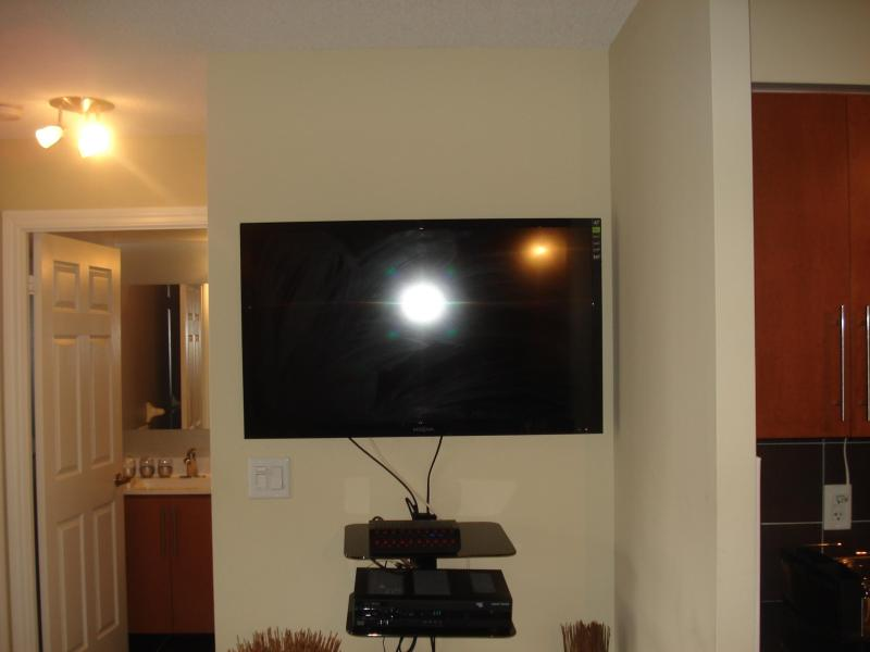 42-inch breedbeeld LED TV met Rogers digitale kabel