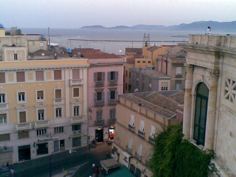 The palace seen from Bastione di Saint Remy