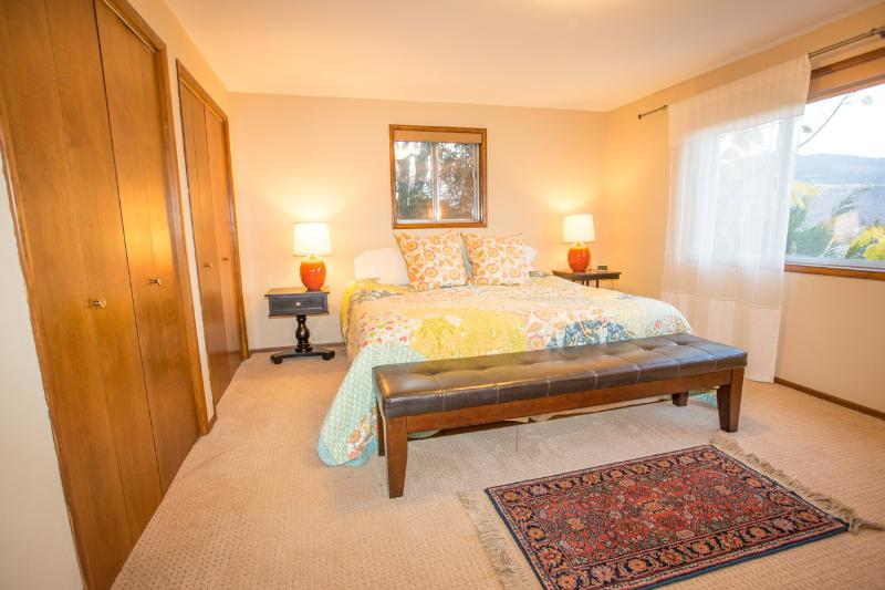 Master Bedroom with King Bed, Gorge Views