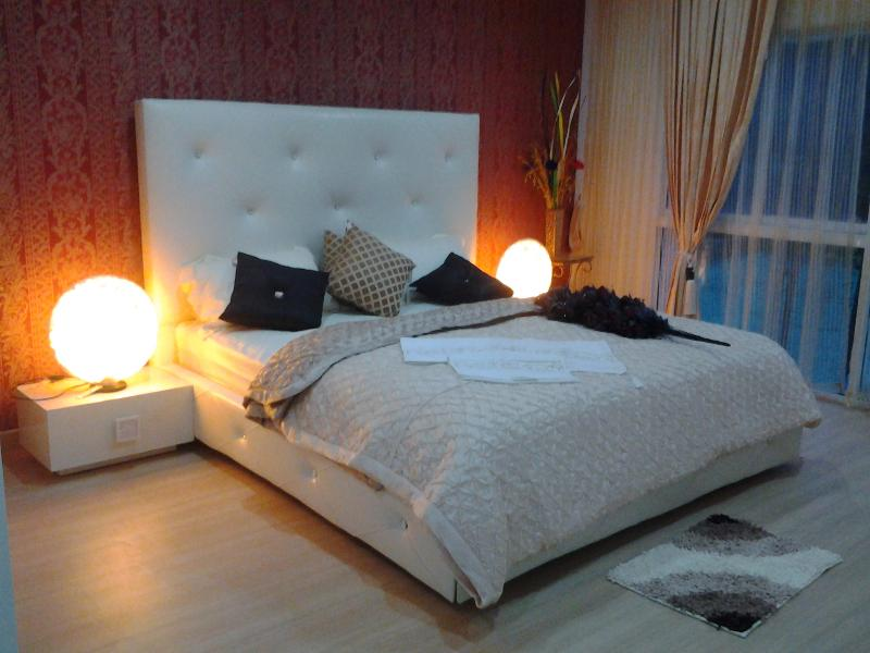 HIGH STYLE CONDOMINIUM, holiday rental in Patong