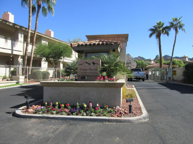 Pointe Resort Condos at Tapatio Cliffs