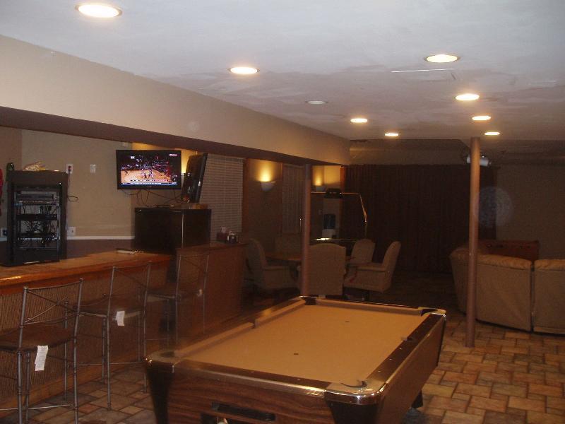 Pool Table & Wet Bar - Basement Rec Room