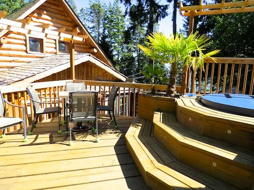 Deck and hot tub area