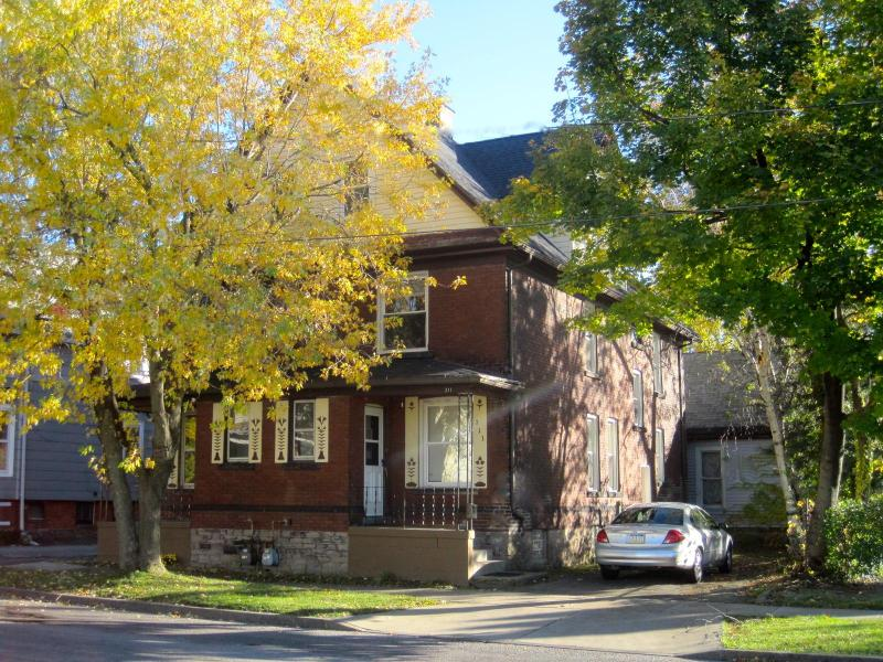 Great Gorge Guesthouse - 10 Minute Walk to Falls, holiday rental in Niagara Falls