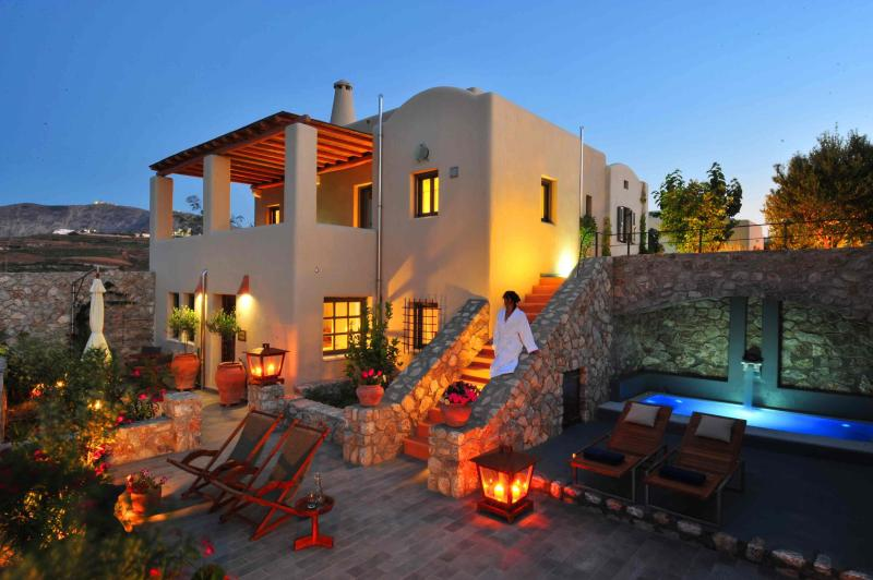 Luxury Architect Designed Cycladic House - Car Included, vacation rental in Monolithos