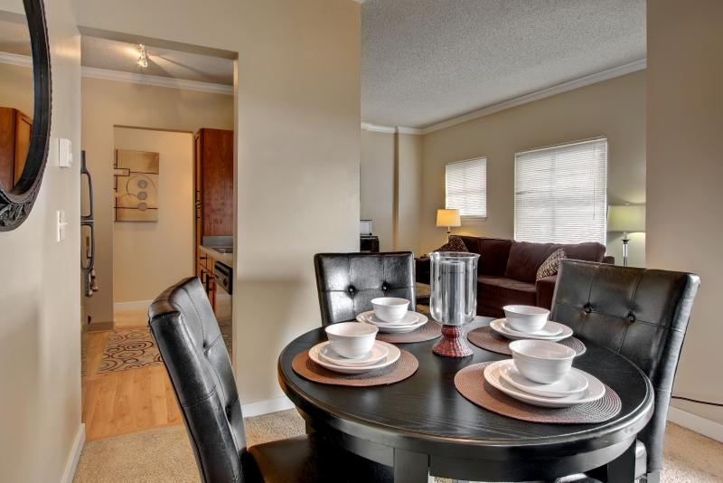 Stay Alfred Seattle Vacation Rentals Dining Room