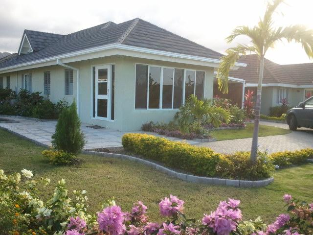 3 BD VILLA  INCLUDES HOUSEKEEPER/AIRPORT TRANSFERS, holiday rental in Priory