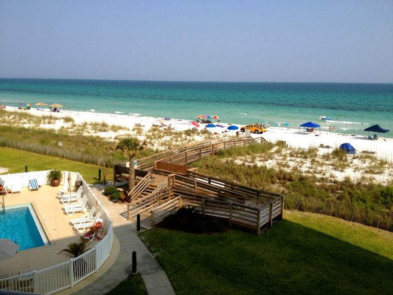 Enjoy the Beautiful Sapphire & Emerald Layers of the Gulf From Your Balcony
