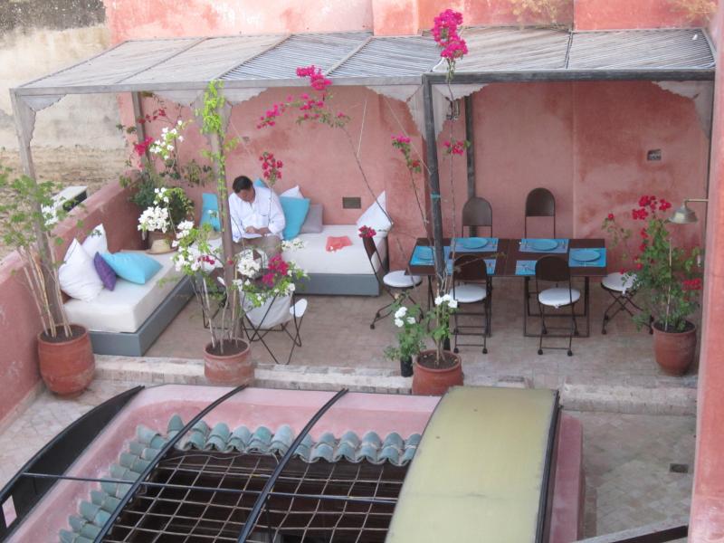 Terrace ; private and discrete ...