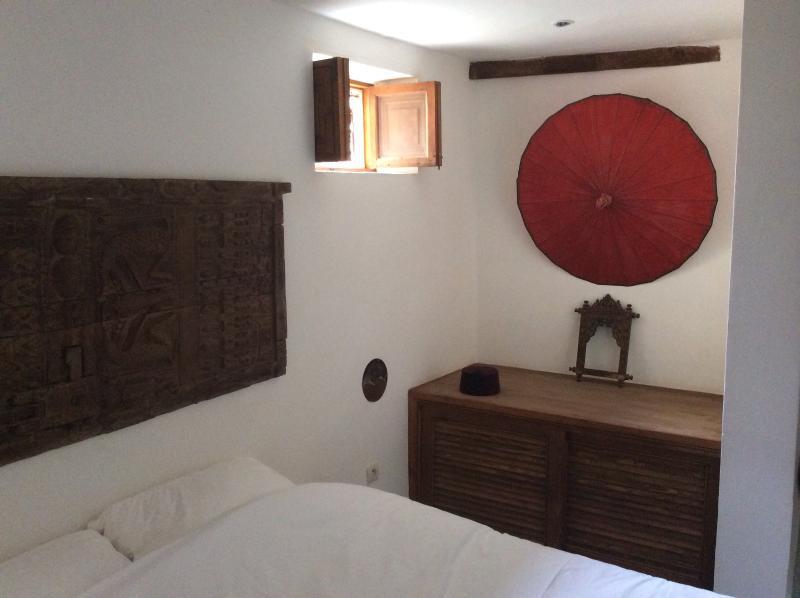 Marroon bedroom