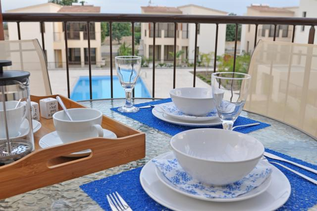 Enjoy your meals al fresco on the balcony