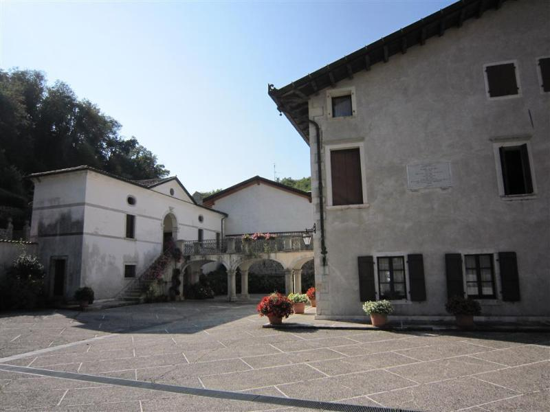Charme B&B Palazzo Scolari, vacation rental in Maniago