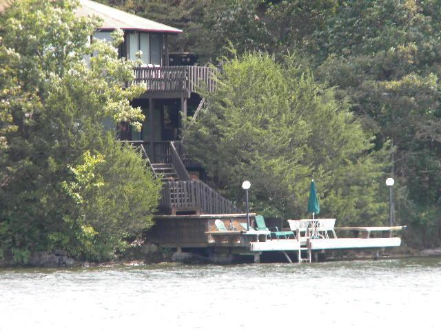 RAL DEAL/three bedroom/3 bath at waters edge Martini deck in water to fish/swim or relax/sip