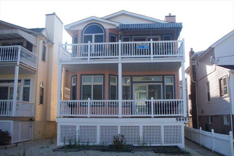 5847 Asbury Avenue 2nd Floor 112048, holiday rental in Strathmere