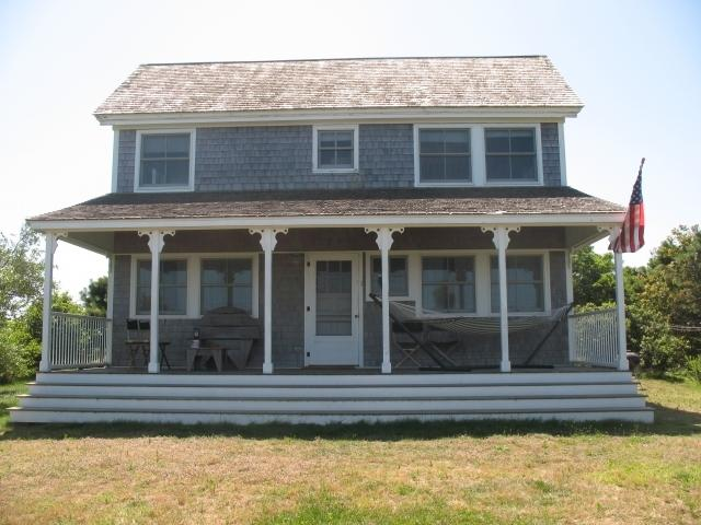 The Rock Pet Friendly Cottage with Views of Highland Light and the Atlantic Ocean