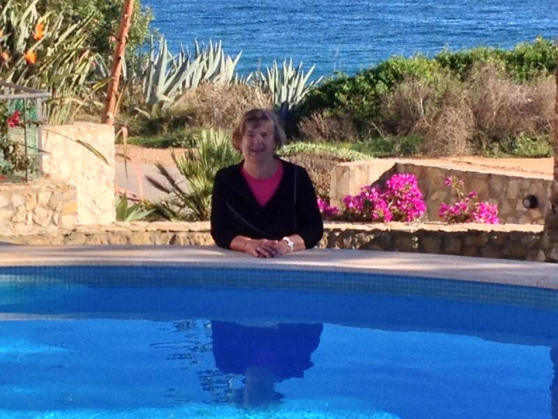 Here I am by the swimingpool - with the sea behind me!