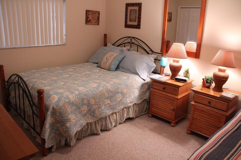 Bedroom 4 - Queen bed & Twin bed, HD TV