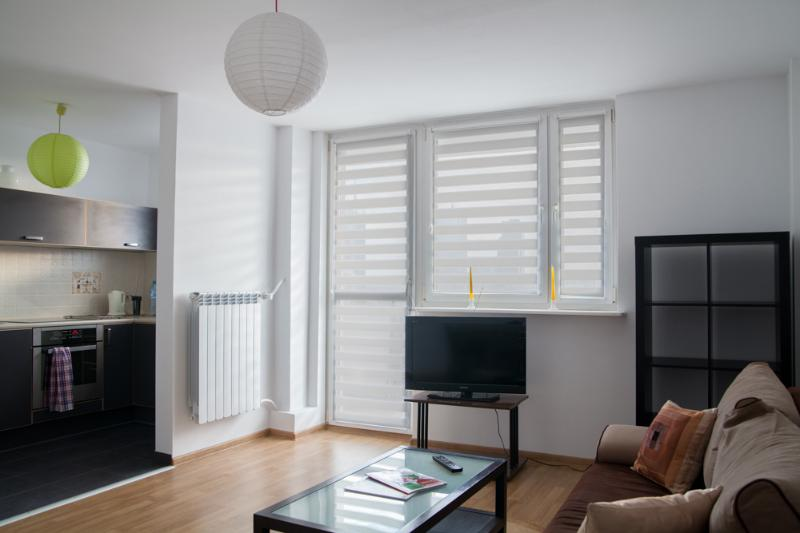 Sunny 3-room-ap with great view in Warsaw Center, alquiler de vacaciones en Varsovia