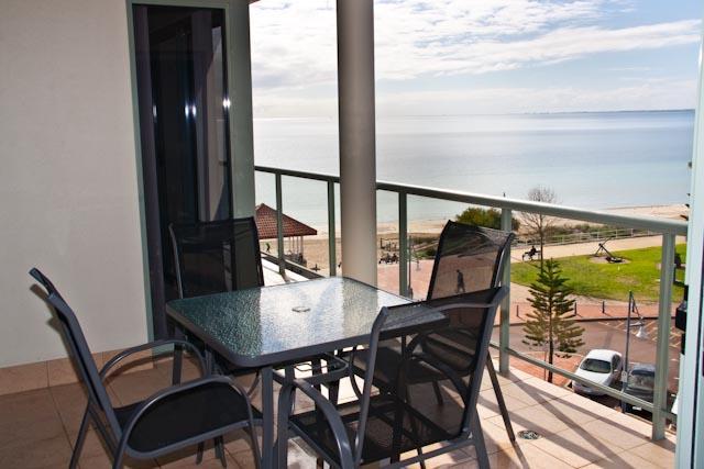 Ocean View Apartment, vacation rental in Rockingham