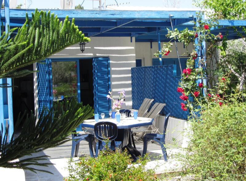 Elias Beach House, alquiler vacacional en Zygi
