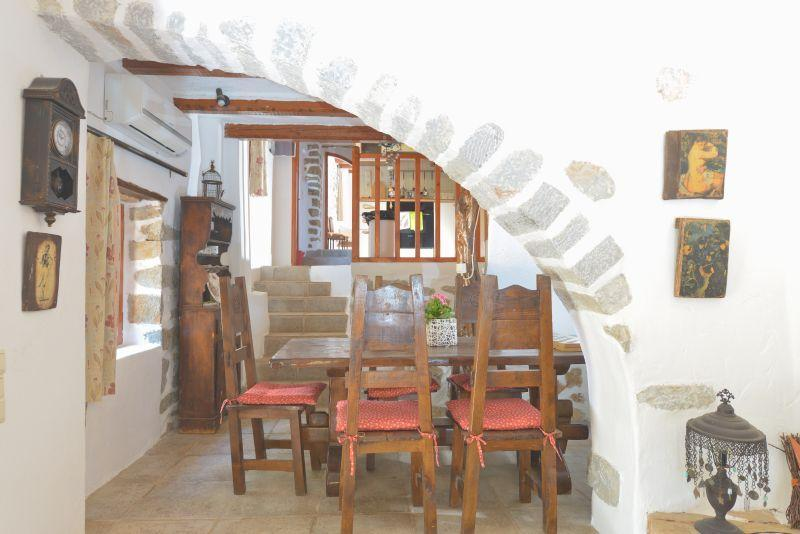 ALMOND TREE HOUSE 2