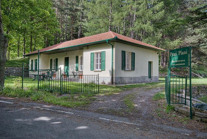 Casa Cantoniera Prati Piani (2p), casa vacanza a Agaggio Inferiore