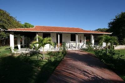 Luxury Hidewaway in secluded tropical gardens,, holiday rental in Fortim