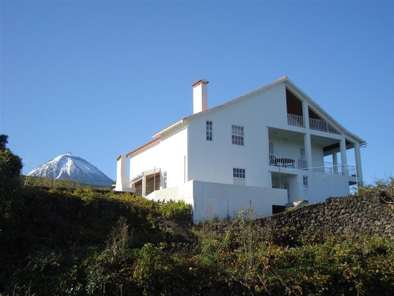 house ande Pico montain