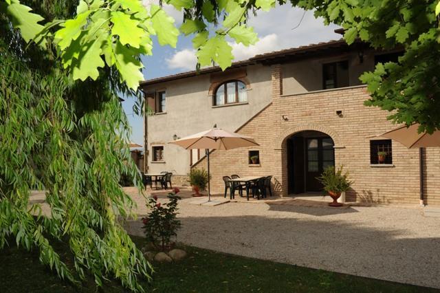 Podere Casenove an antique farmhouse, panorama, Ferienwohnung in Pistrino