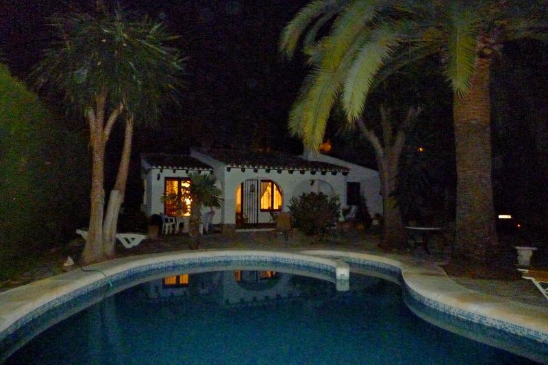 Villa Las Palmeras. Calde notti mediterranee.