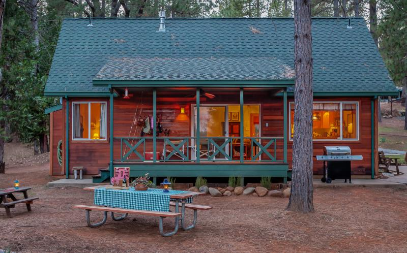 the Cabin at Quail Crossing, holiday rental in Dogtown