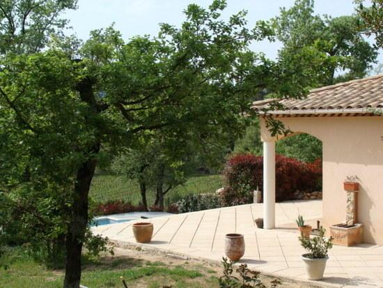 Villa les Caillols set above an AOC vineyard