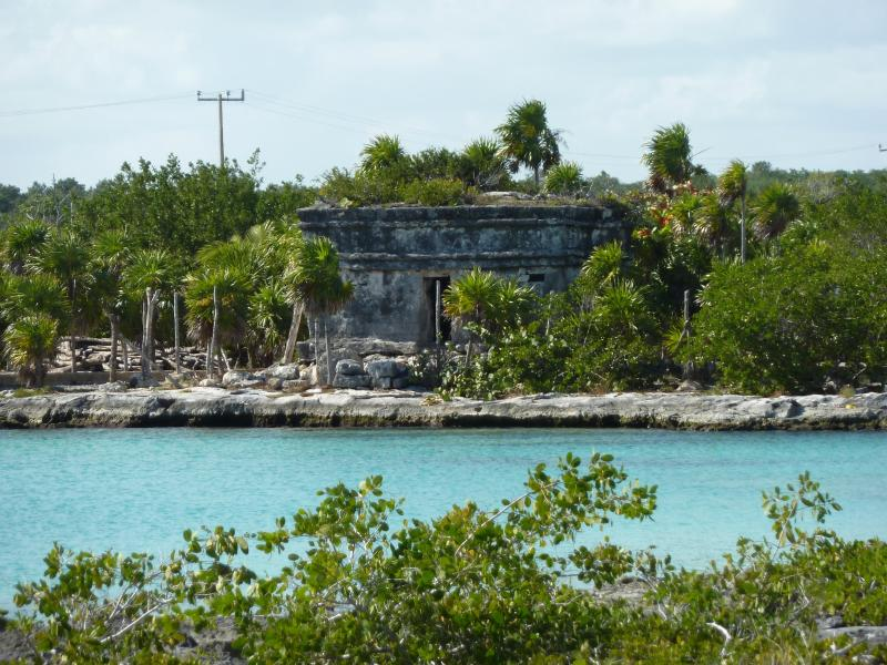 Mayan ruin in the caleta(inlet)