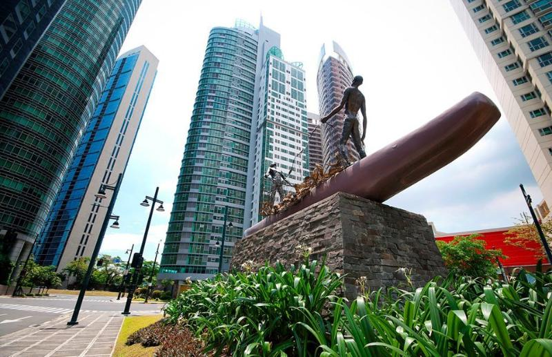 Avant At The Fort - Forbes Town Bonifacio Global City - Home to the Manila Elite
