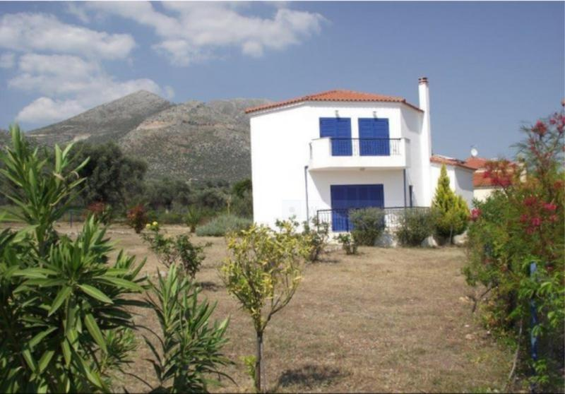 Beautiful Villa - unspoilt Greek Island of Evia, location de vacances à Amarynthos