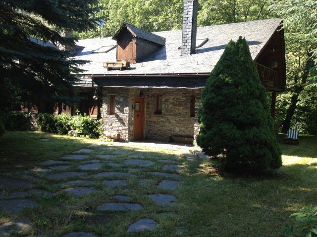 Casa Valle Aran con encanto en entorno auténtico., location de vacances à Vielha