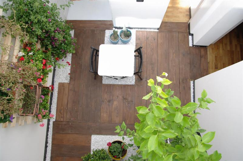 F12 |FK Cosy design flat with winter garden, vacation rental in Catania