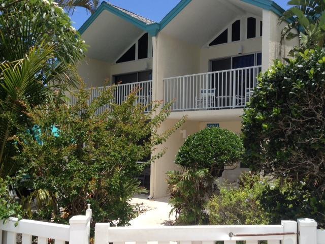 Coconuts Courtyard 116 Ground Floor, vacation rental in Holmes Beach