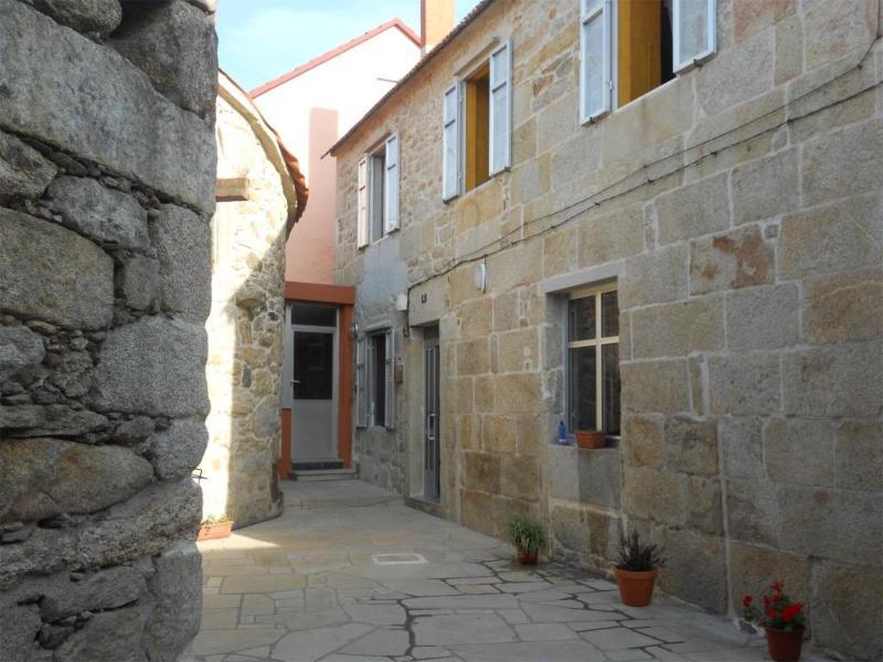 Casa Rural - Cerca de las Playas, holiday rental in Serans