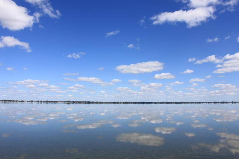 Riddle's Roost Lake Kampeska Cabin Watertown, SD, holiday rental in Watertown