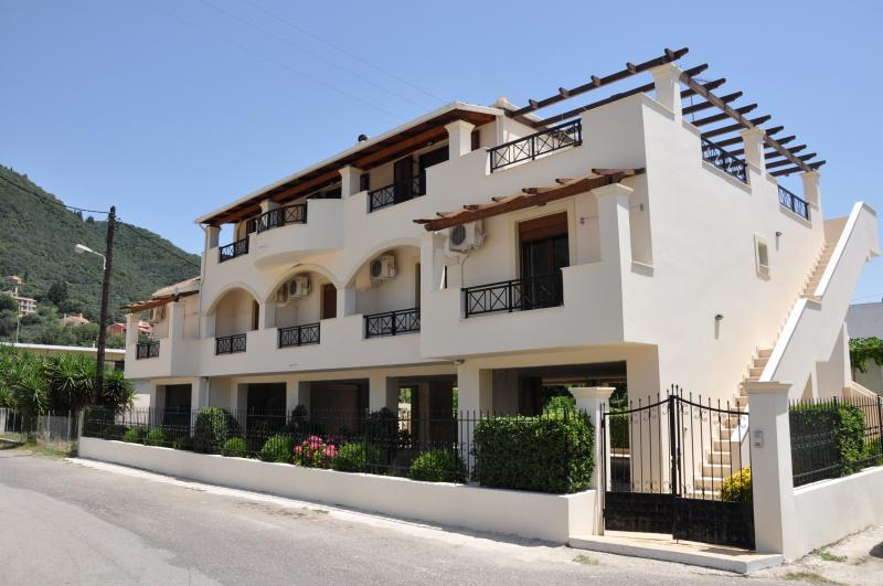 Ilias Apartments exterior