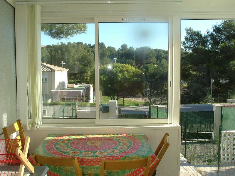 MAISON AU CALME DANS RESIDENCE A 200M DE LA PLAGE, vacation rental in La Couronne