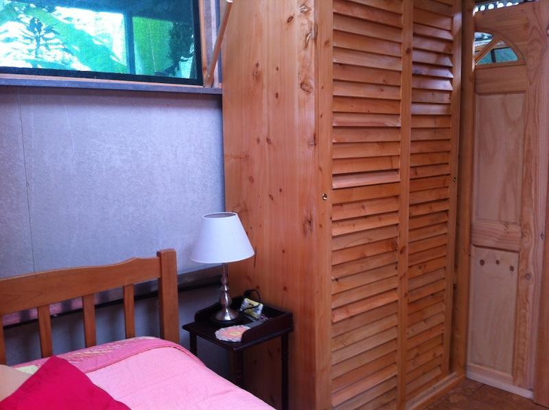 Slaapkamer met grote kasten (Mango Loft)