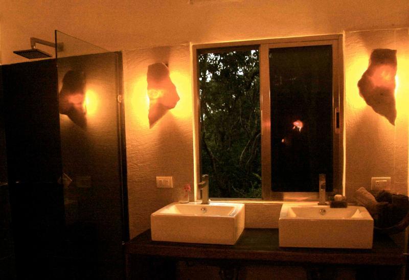 Bathroom (main bedroom) - Calakmul apartment