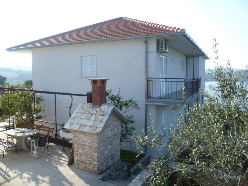 Apartmani Ivan A1, vacation rental in Necujam