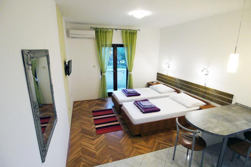 Paklenica Sport Apartments #22, alquiler vacacional en Starigrad-Paklenica