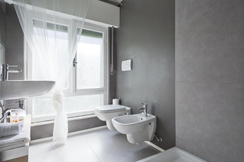 Private bath bedroom 4