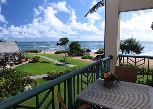 H202 - Prime Corner OCEANFRONT Suite **AC** Resort Pool & Restaurant, vacation rental in Kapaa