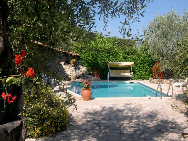 Exotic pool terrace for Le Contadour guests to enjoy in peaceful surroundings